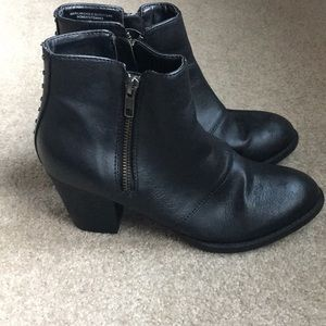American Eagle outfitters black booties